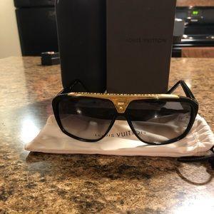 AUTHENTIC Louis Vuitton Evidence Sunglasses 🕶